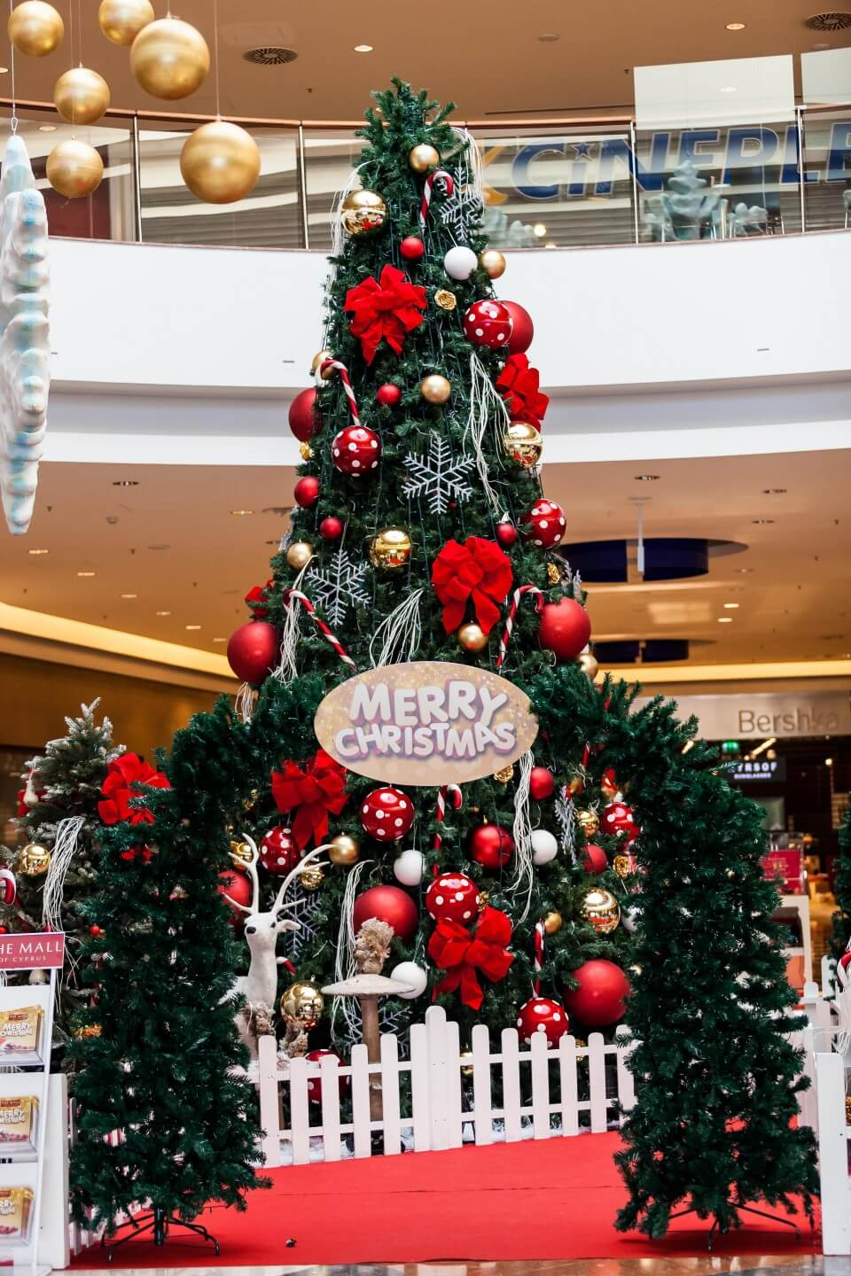stuff interesting ideas decorating decor christmas collection office decoration for